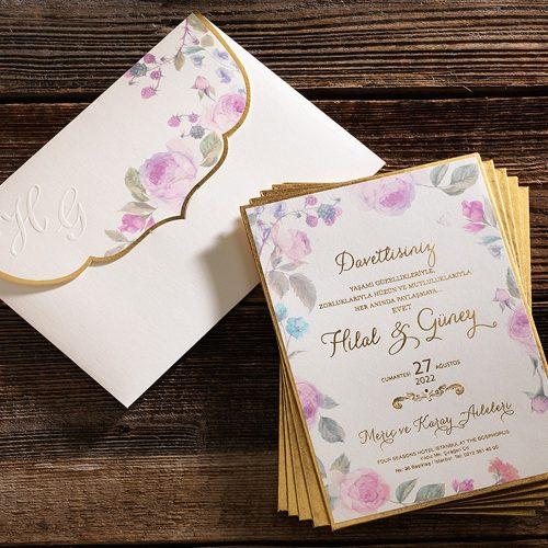 Gül Motifleriyle Süslü Düğün Davetiyesi ERD50581